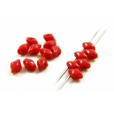 Korálky Kosoštvorec s 2 dierkami Červená