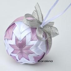 Vianočná guľa Ružový patchwork 2