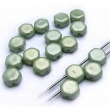 Korálky Hexagon Zelená pastelová perleťová