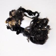 Kučeravá vlna na plstenie Čierna