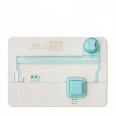 Nástroj na výrobu etikety na zakladače  We R Memory Keepers Tab punch board