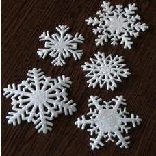 Snehové vločky, výrezy 2 Biela glitrovaná 5 ks