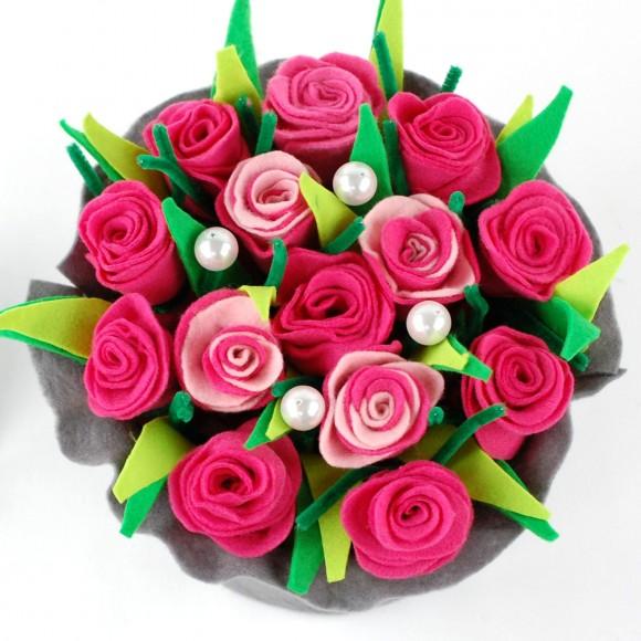Kytica z filcových kvetiniek