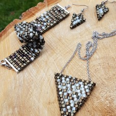 Sada šperkov trojuholník