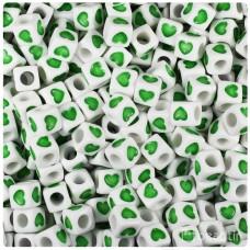 Plastové korálky kocky Zelené sv. srdiečka