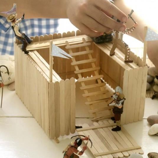 Výroba pevnosti alebo Zábava pre malých aj veľkých chlapcov